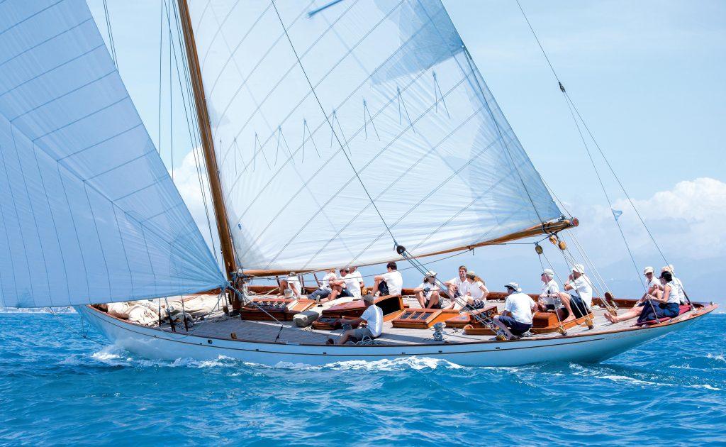 HALLOWE'EN, bateaux de rêve recherchent nouveaux propriétaires, yachting classique 71