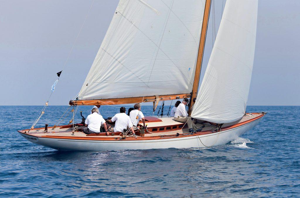 Jour de Fête, Yachting Classique 71, bateaux de rêve recherchent nouveaux propriétaires
